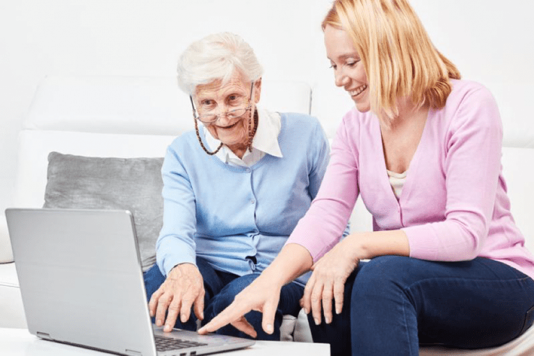 5 Things People Want to Know When Looking at a Senior Living Facility's Website