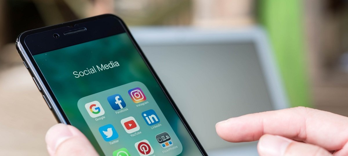 social media icons on a smartphone screen